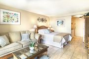 Gorgeous Penthouse ~ RENOVATED!   Island Colony #4412