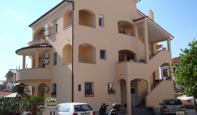 Photo for Studio apartment in Medulin with Balcony, Air condition, WIFI (3500-7)