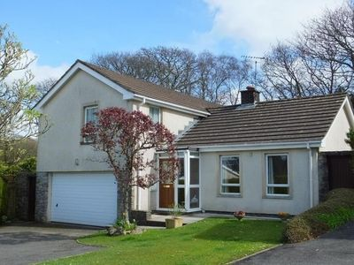 Photo for In the center of Saundersfoot with Internet, Parking, Garden, Washing machine (689810)