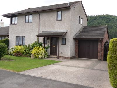 Spacious detached 3 bedroomed house, good parking, views of the conwy valley.