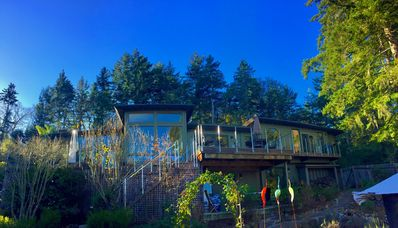 Photo for Silicon Valley Woodside Retreat in the Redwoods