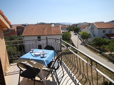 Photo for One bedroom apartment with terrace and sea view Tribunj (Vodice)