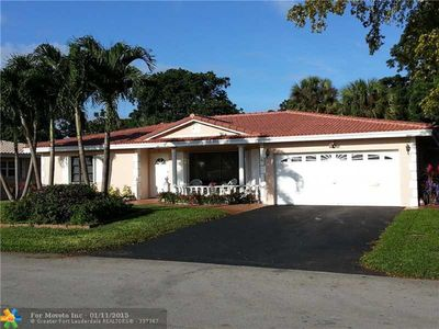 Photo for Deerfield Beach BIG house close to i-95,turnpike,federal hghway, 10 min to BEACH