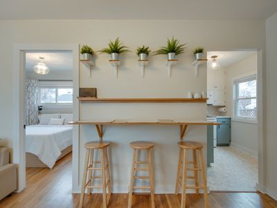 Photo for Cozy, Modern Home Close to Everything