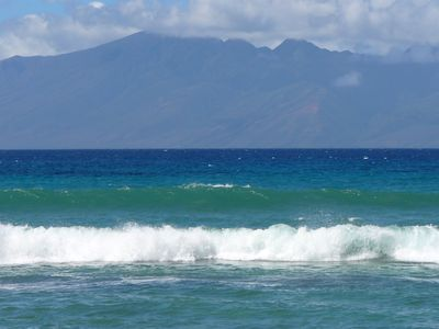 View of Moloka'i from  lanai and L.R. Video at end of photo list, use < arrow