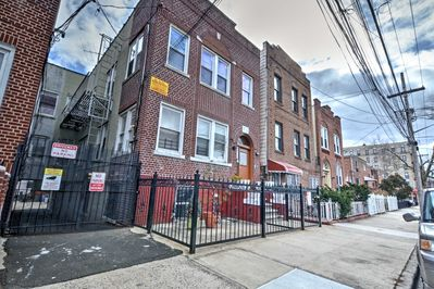 Escape to this 2-bed, 1-bath vacation rental for a fantastic Bronx getaway!