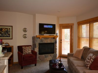 Photo for Gorgeous Remodeled 1 Bedroom Condo - Walk to Lifts, 2 Hot Tubs & Heated Parking