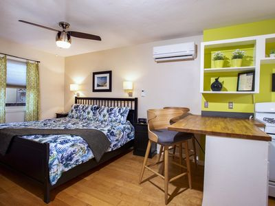 Walk to Balboa Park...Eco- and Pet-friendly, EASY PARKING, jacuzzi + courtyard