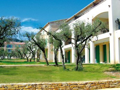Photo for An apartment on a holiday park with an swimming pool in beautiful Provence.