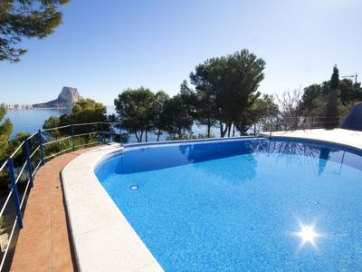 Photo for 3 bedroom Apartment, sleeps 6 in Calpe with Pool and Air Con