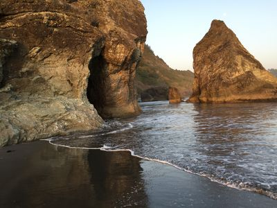 Rainbow Rock Cave at high tide
