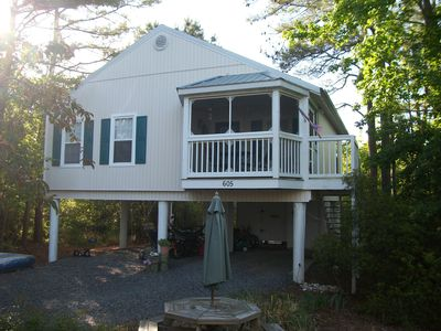 Detached house, wooded lot