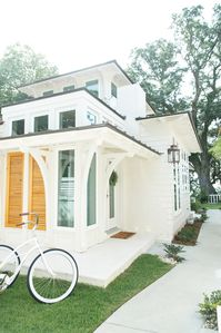Photo for Elegant Cottage on the Bluff Downtown Fairhope (B)