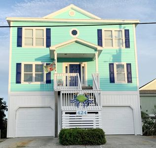 Photo for Teal Next Time: 5BR, 3.5BA, Sleeps 12 - oceanfront just north of Surf City!