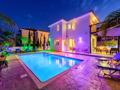 Villa Andreas large private salt water pool, Sea Views, Wi-Fi, Child friendly