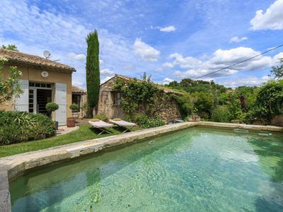 Photo for Charming villa in Provence with swimming pool