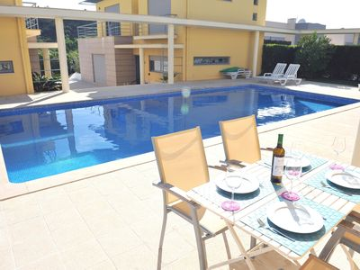 Photo for Spacious Modern Villa with Pool in Great Location, foz do Arelho
