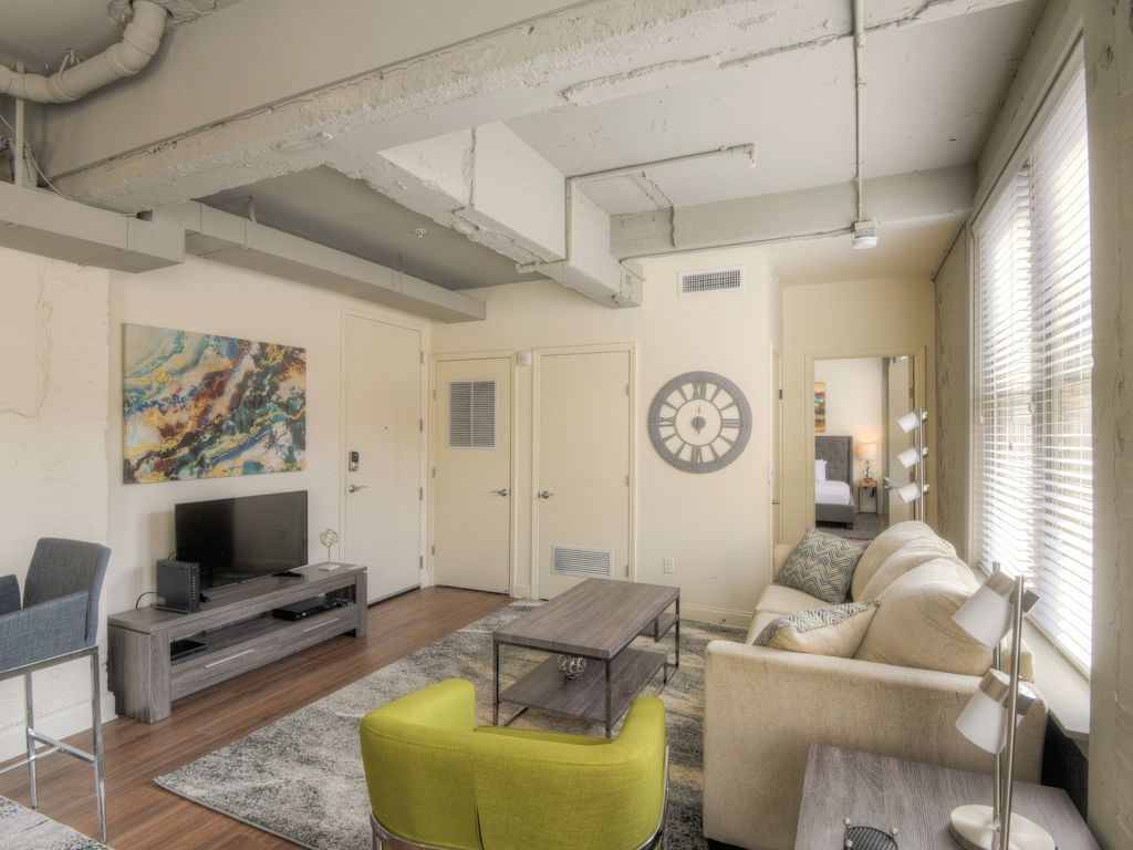 Amazing 2 Bedroom Apartment at The Chisca - VRBO