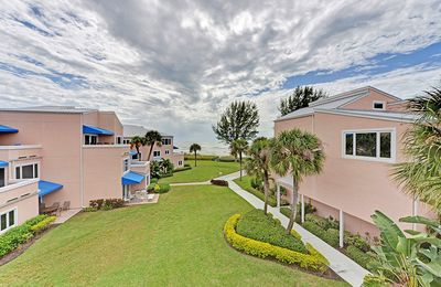 Photo for 305 Sand Cay Beach Resort Gulf View Close to the Beach