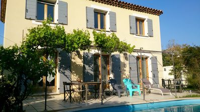 Photo for Villa type Bastide Provençale 8 people - sheets and towels provided