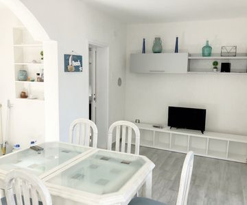 Photo for Spacious luminuous appartment Vista II 50 meters from the sea
