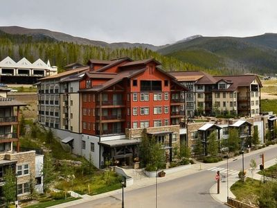 Photo for Fantastic Ski Studio uniquely located on Amenity Deck w/Steps to Hot Tub & Lifts