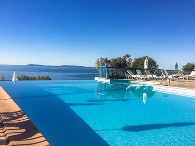 Photo for 3 bedroom Apartment, sleeps 6 in Aigue-Belle with Pool and WiFi