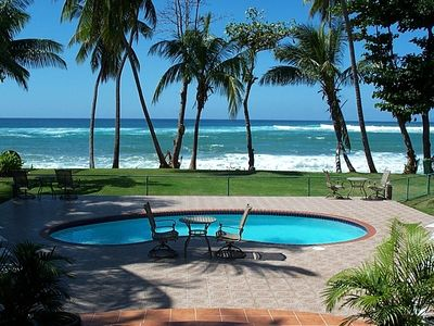 Sun, fun, palms, pool & beach-Heaven out your door