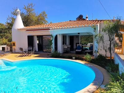 Photo for Location Location! 3 Bed 3 Bathroom Villa with pool. Walk to Alvor and beaches