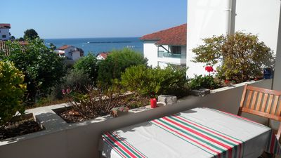 Photo for 3 bedroom apartment in a recent residence with swimming pool