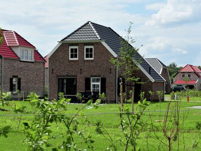 Photo for Child-friendly farmhouse villa with PlayStation in Limburg