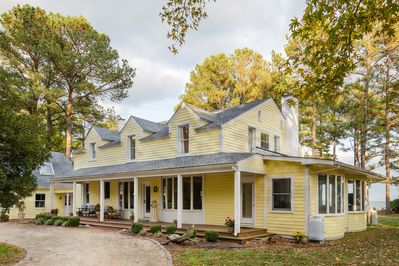 4300 square feet (5 bed/4.5 bath) on 1.5 Bayfront acres