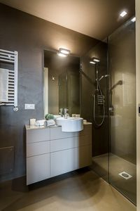 Photo for Modern Spacious 2 bedrooms apartment with terrace and elevator