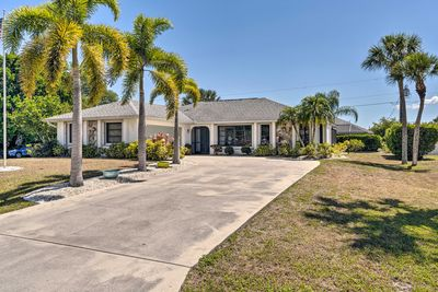 This lovely Port Charlotte home boasts 3 bedrooms and 2 bathrooms.