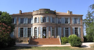Photo for Castle historical monument, 4 guest rooms ****, near Toulouse