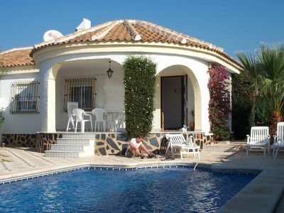Photo for Beautiful villa with pool and WIFI in Torrevieja Costa Blanca Spain