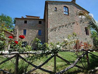 Photo for Holiday house with pool in Umbria, between Perugia and Assisi