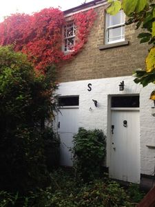Photo for Charming listed coach house by Ely Cathedral