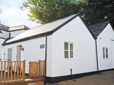 Photo for 1 bedroom property in Newquay. Pet friendly.