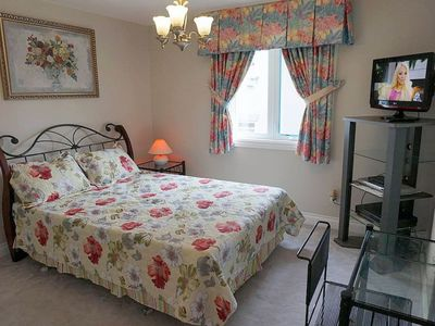 Photo for Stylish Room W/ Private Bath In North York, Toronto, Females Only
