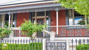 Double fronted Victorian townhouse - Free Wifi