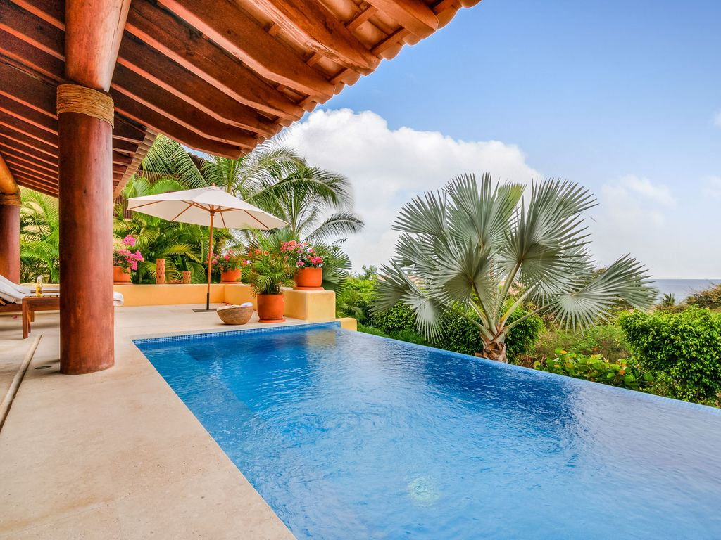four seasons private villa for 10 guests with infinity pool plunge pool view punta mita villa rental