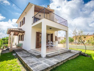 Photo for Wonderful private villa for 8 people with WIFI, A/C, TV, balcony and parking
