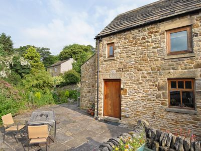Photo for 1 bedroom accommodation in Edale