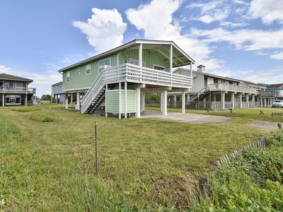 Photo for Paradise Found - beachfront home with 2/1.5, sleeps 7!  Only steps to the water'