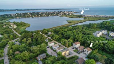 Large Six Bedroom Home in the Bonnet Shores Neighborhood! Walk to Kelly Beach!