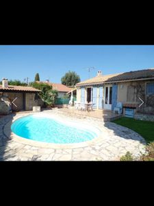 Photo for The Sainte Marguerite guard bordering Toulon beach villa with pool 6 pers
