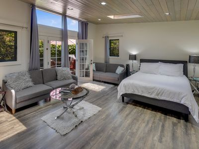 Photo for Luxury Suite near SF/SFO/BART/CalTrain w Free Parking and WiFi