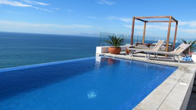 Photo for Luxury Los Muertos Beach penthouse, infinity pool & Jacuzzi, central located