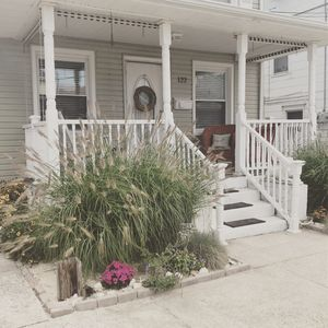 Photo for 4 bed 2 bath, only 3 blocks to the beach, 10 minutes to AC